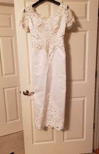 Wedding Dress 6p - veil will be included